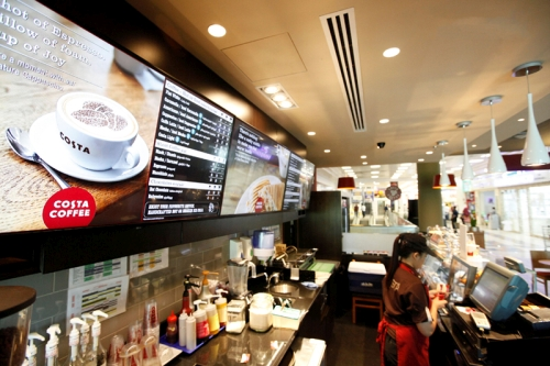 digital signage screens menu boards coffee shop