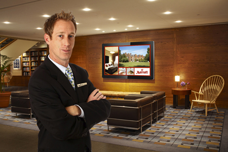digital signage screen network hotel