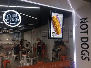 digital signage screen restaurant