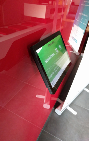 digital signage screen pos touch