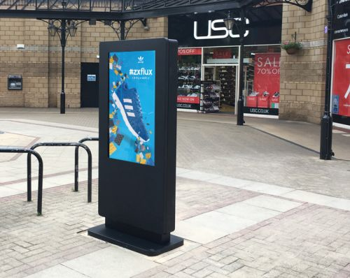 digital signage screens outdoor public square