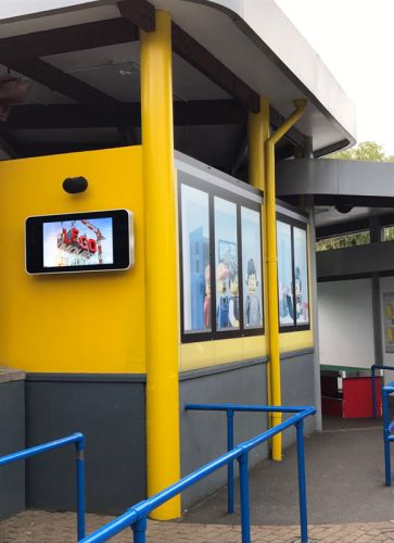 digital signage screens outdoor legoland theme park