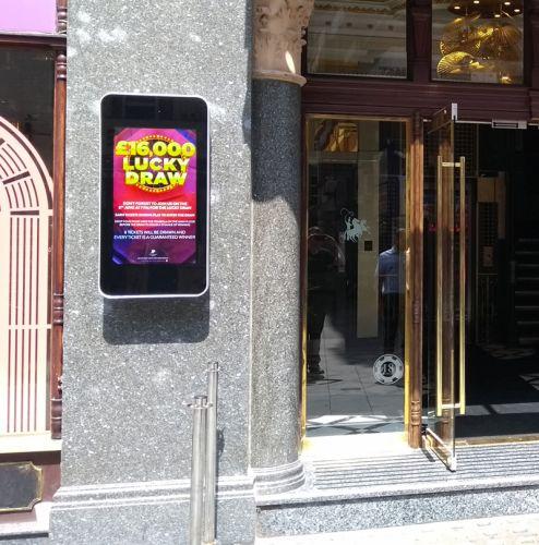 digital signage screens outdoor casino restaurant street